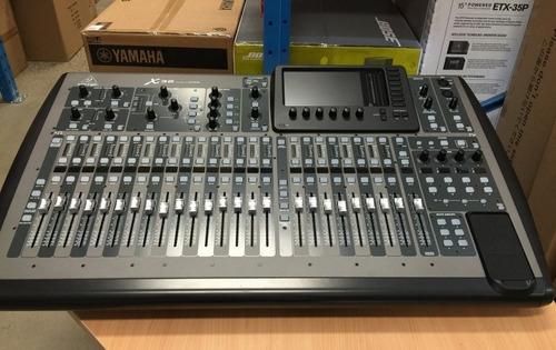Behringer X32 32-channel