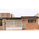 Vendo Casa De 4 Recamaras En Los Robles, Juan Díaz 20-11276